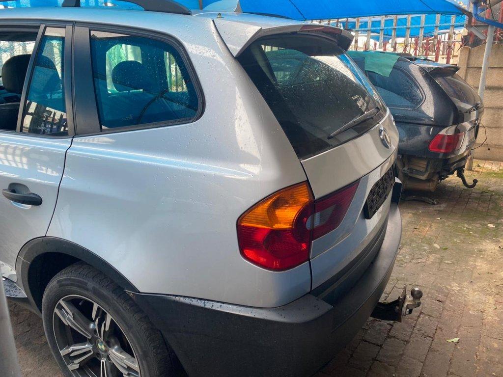 BMW-X3-E83-Manual-preface-4