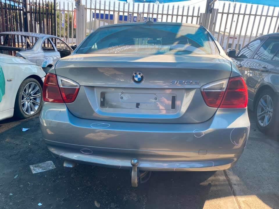 E90 pre facelift 320d stripping for spares