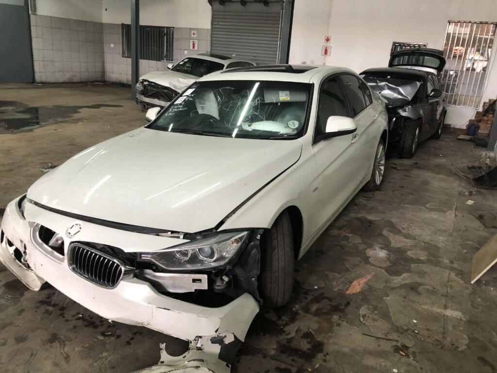 F30 320i Preface stripping for spares