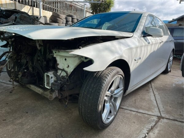 BMW 550i stripping for spares 4