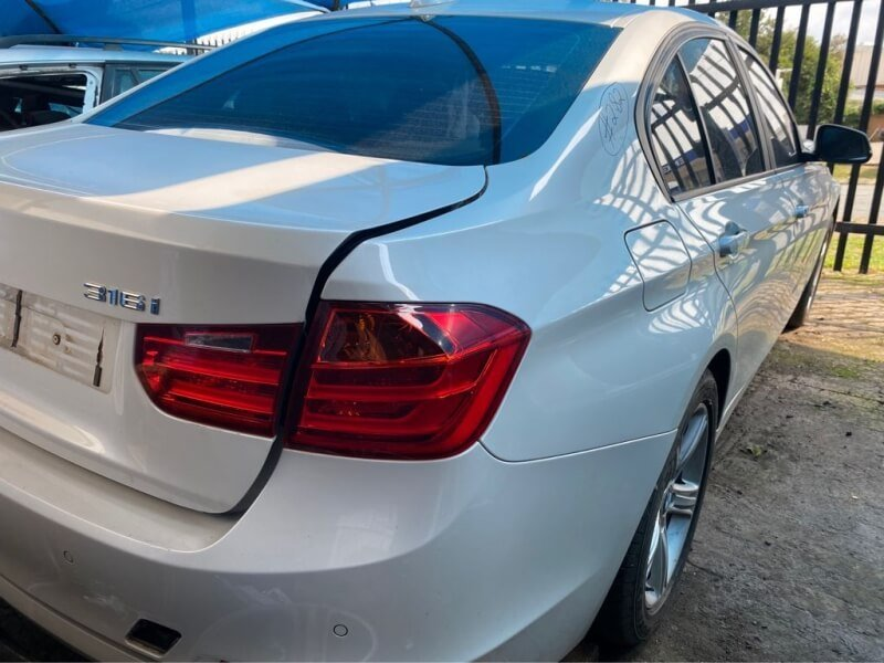 2012 BMW 316i f30 stripping for spares